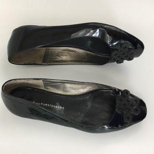 DVF black patent leather ballet flats design 6.5